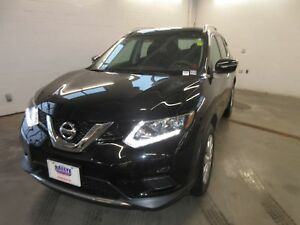 2015 Nissan Rogue S- AWD! ONLY 57K! BACK UP CAM!