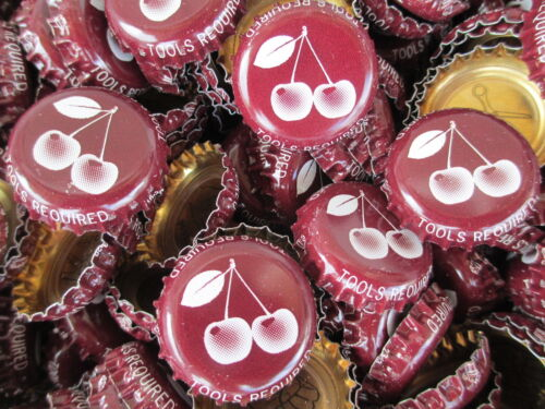100 Cherry Lager (Maroonish Brown) Beer Bottle Caps (No Dents). Free Shipping