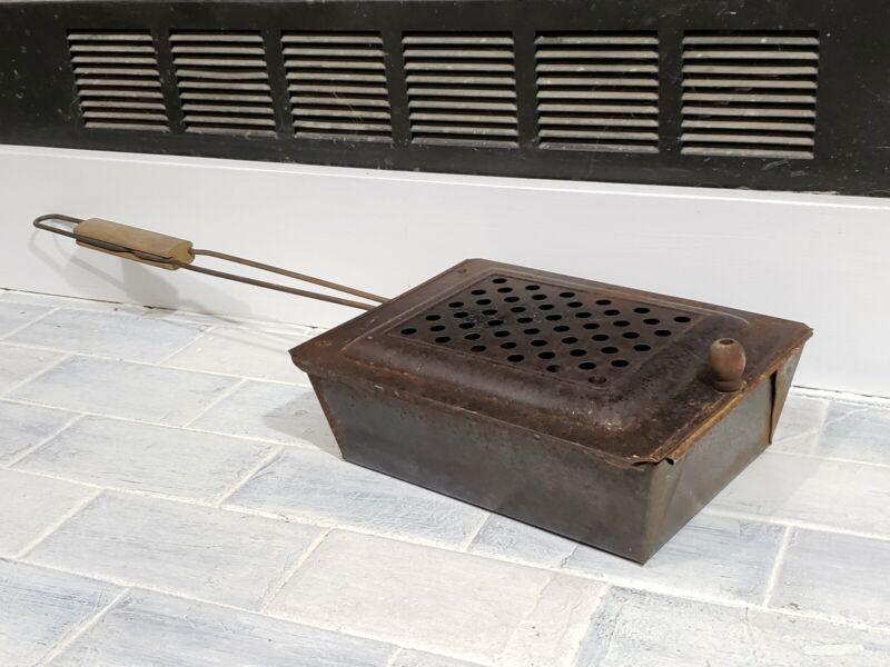 Antique Popcorn Maker Over The Fire Cooker Wooden Handle Rusty Primitive