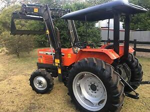 Kubota 40 HP 4x4 4in1 bucket low hrs Kangaroo Valley Shoalhaven Area Preview