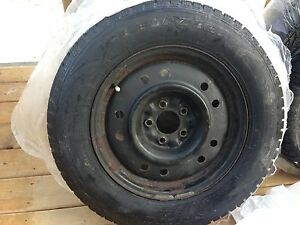 215/65R16 Snow tires with steel rims