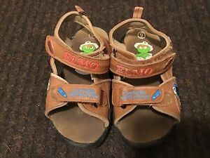 SESAME STREET BROWN LEATHER SANDALS - VELCRO - SIZE 9
