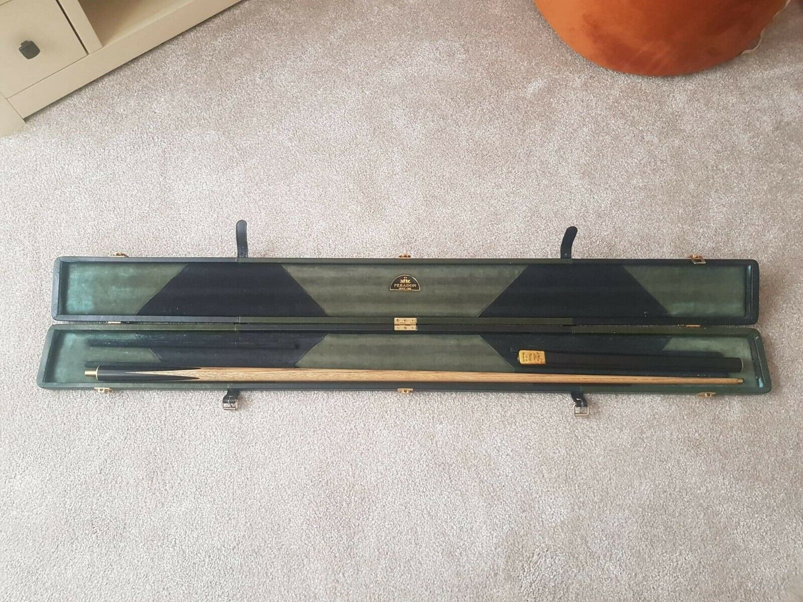 Omin Victory 3/4 cue and case