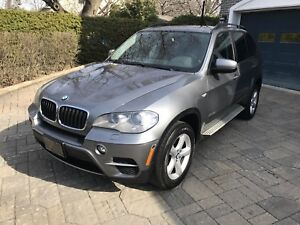 Bmw x5 2012 x drive * full package**