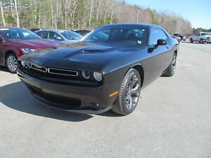 2018 Dodge Challenger SXT Plus - Heated, Vented Leather / Sunroo