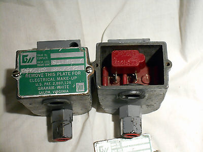 2 Pcs Graham White 812-192 Solenoid Controlled Pneumatic Control Valve New