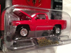 Vintage 1996 Dodge Ram Pickup RACING CHAMPIONS MINT EDITION ISSUE #17 1:61 Scale
