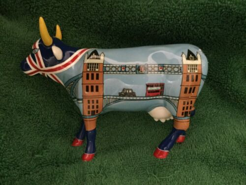 "LONDON COW PARADE FIGURINE: "" COWER BRIDGE "" ( Rare and Retired -  #6005 )"