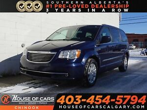 2015 Chrysler Town & Country Touring w/ Stow & Go, Backup Camera