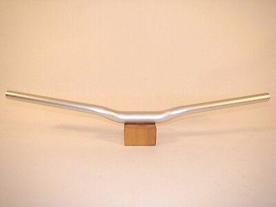 Alloy Riser Bar (KORE Alloy XC Riser Bar 640mm x 31.8mm x 20mm Rise x 9D Sweep Silver)
