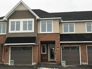 Recently built 3 bed townhome in east end! - 883 Riverview
