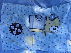 Douillette et cache oreiller lit simple garçon