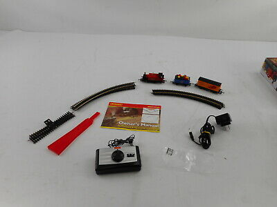 Hornby R1248 - Santa's Express Christmas Toy Train Set, Red, Blue & Yellow