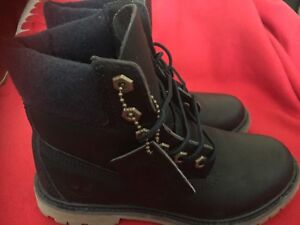 Timberland botte size 6 us dark blue