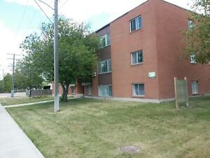 Avail Today !   Nice 2 Bdrm Suite with balcony     - $890/mth