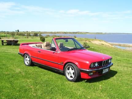BMW E30 325 CONVERTIBLE