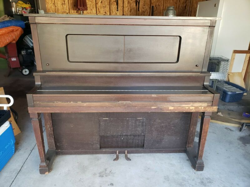 Player piano upright