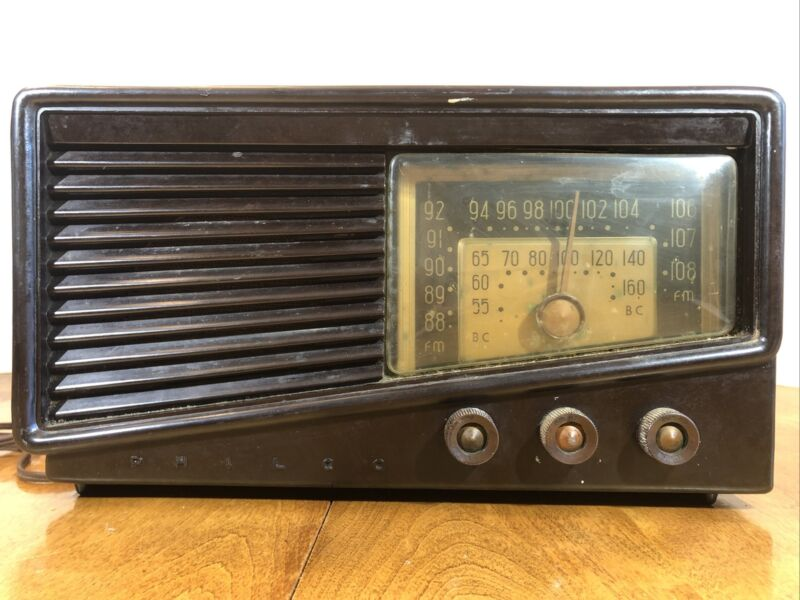Old Vintage Retro 1950 Philco Tabletop Bakelite AM Tube Radio Model No 50-925