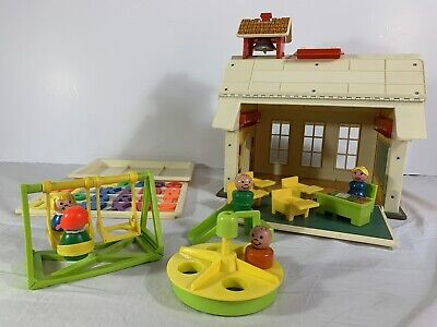 Vintage Fisher Price Little People 923 Play Family School House | Near Complete