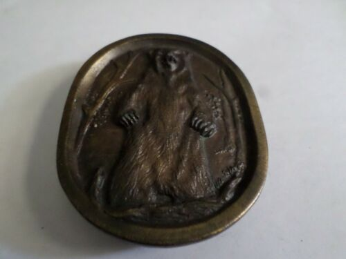 VINTAGE Belt Buckle Grizzly Bear Standing 1977 Indiana Metal Craft Brass Coat