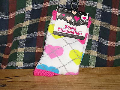 ( Socks Cute Pastel Colored Hearts Girls Size 6-8. NEW. GREAT GIFT)