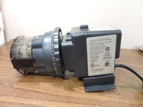 Stenner Pump Company (Used) 85MHP17 Peristaltic Pump 120 VAC 17 GPD 100 PSI