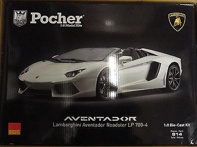 Pocher White Lamborghini Aventador LP700-4 1/8 Die-Cast Model Car Kit HK104