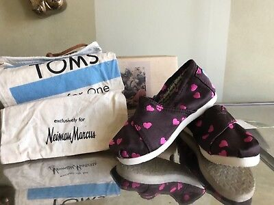 NWT TOMS TODDLER SHOES WITH PINK HEARTS SIZE 7 - Pink Toms Toddler