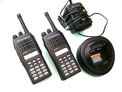 2 X MOTOROLA GP380 UHF PROFESSIONAL TWO WAY RADIOS FULL KEYPAD LCD & CHARGER