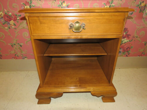 Ethan Allen Heirloom Nutmeg Maple Bedside Commode Night Stand 10 5306