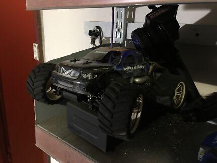 R/c nitro truck  X-ray 1/18 scale