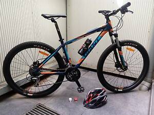 GIANT TALON 4 2016 ALUMINIUM MOUNTAIN BIKE + EXTRAS Carlton Melbourne City Preview