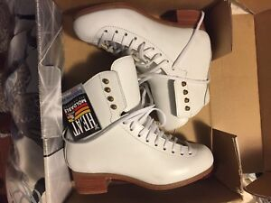 Jackson figure skating boots - new in box - women's size 5