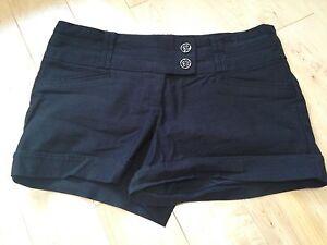 Short noir et pantalon 3/4