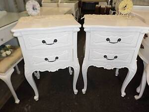 ♥ SOLID TIMBER FRENCH PROVINCIAL QUEEN ANNE CARVED BEDSIDE TABLES Tingalpa Brisbane South East Preview