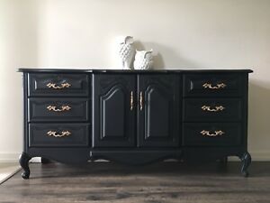 *DRESSER/SIDEBOARD - Must See! - FREE DELIVERY