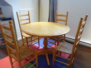 Table de cuisine ronde style rustique en bois massif (érable)