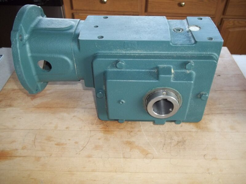 NEW DODGE (ROCKWELL AUTOMATION) C200S25N140 RIGHT ANGLE GEAR REDUCER 25:1 3.58HP