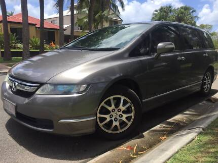 HONDA ODYSSEY LUXURY 7 SEATER LEATHER SUNROOF PRESENTS AND DRIVES