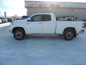 2014 Toyota Tundra Limited 5.7L V8 Local Owner,Leather Heated...