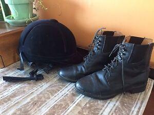 Riding helmet (med) riding boots s 6
