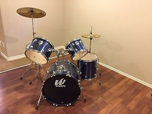 Mint drum set
