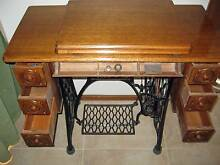 Magnificent SINGER Treadle Sewing Machine Dingley Village Kingston Area Preview