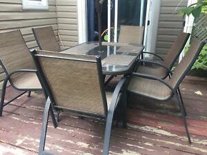 Patio dinning table