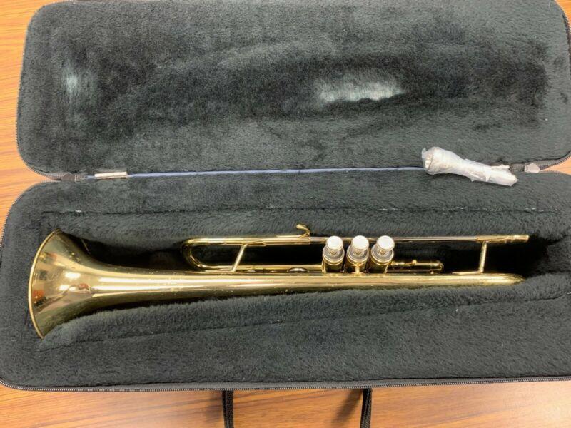 Getzen 300 Series Trumpet with Soft Sided Case