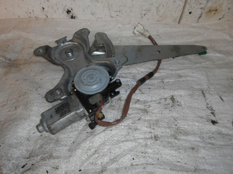 2004 2.0 PETROL LEXUS IS200 DRIVERS REAR WINDOW MOTOR REGULATOR 85710-53040