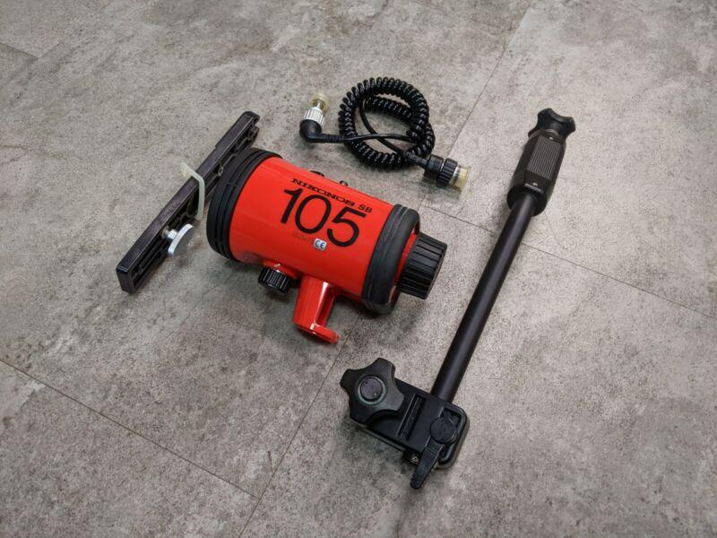 Nikon Nikonos SB-105 SB 105 Underwater Flash Speedlight