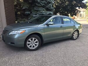 2009 Toyota Camry Hybrid LE - FULLY LOADED WITH SNOW TIRES
