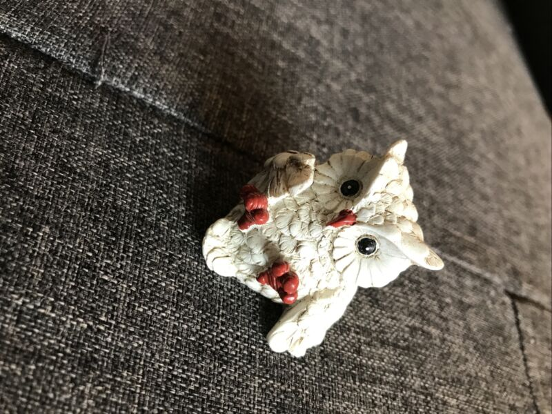 "Cool Little Plastic/ Stone ? Owl 1.5"" White No Signature"