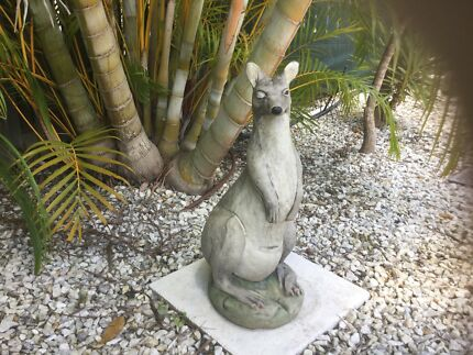 Kangaroo Statue